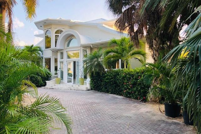 Usd 8 500 Month Cayman Kai